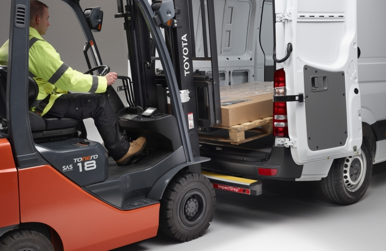 ImpactStep ® - the new frontier of vehicle protection
