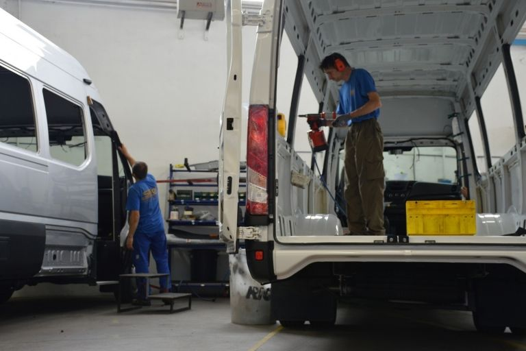 Van vehicle outfitting